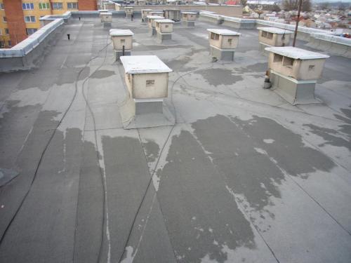 renovuojamu namu stogai